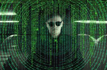 Claves | Así puedes aprender a detectar y evitar el espionaje online